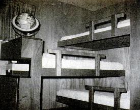 triple decker bunk beds